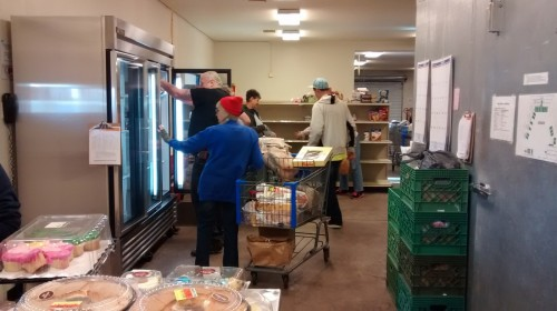 apache junction food bank volunteers